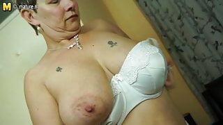 British mature stepmom with big tits and ass