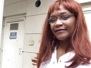 Infirmieres xxx Corinne 30 ans infirmiere en odontologie