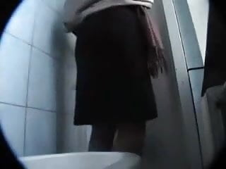 Mature pissing pantyhose Mature spied on in public toilet part 1