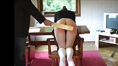 Sfa, freche Helen kehrt zurück für mehr Bestrafung!