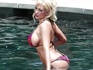 Blond in bikini Blonde in bikini gets sex outside