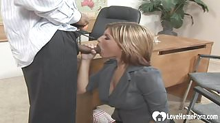 Black dude pounding an experienced mature housewife.mp4
