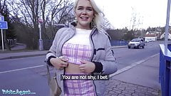 Public Agent, British tourist Gina Varney sucks Czech dick