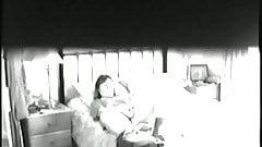 Мама мастурбирует скрытой камерой