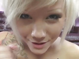 Emo girl porn free - Blonde emo girl sucks