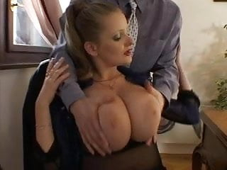 Breast has in largest who world She has very sexy big breasts