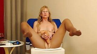 Granny Masturbating In Pantyhose