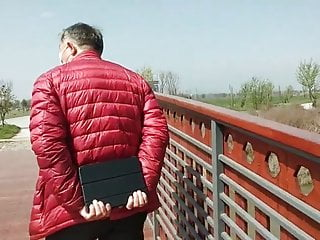 Porno and ejaculation Grandpa kind-hearted outdoor sex and ejaculation