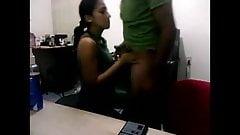 Desi sexy secretary fucked by boss in office