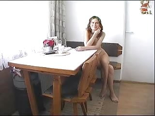 Naked portrait woman - Beautiful woman dares to go naked