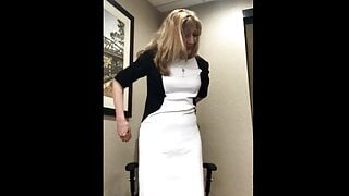 Public Paulina – Stripping Off My Dress + Cumming In The Office