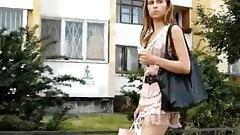 bajo faldas de una rusas bien ricas.