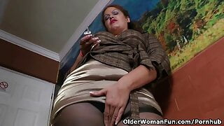 Latina MILF needs Relaxing after a Hard Day's Work