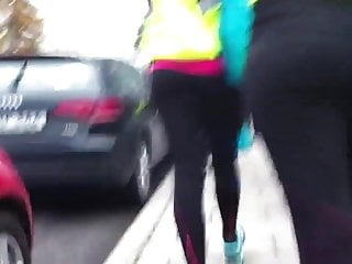 Bare breasted runners Runners ass in yoga pants