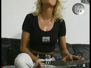 Big od stuff in pussy - Milf sticks all sort of crazy stuff in her pussy