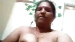 Indian Aunty Showing pussy and boobs