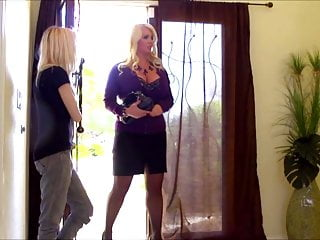 Mother-in-law daughter-in-law sex Alura jenson fucking mother in law