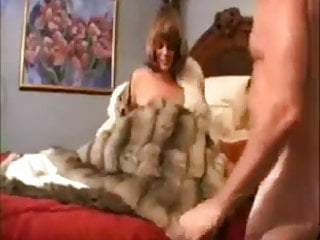 Amature mature women pics - Amature milf in fur sucks gets fucked 2