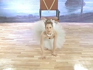 Naked elizabeth swan Very cute justine joli aka swan as ballerina
