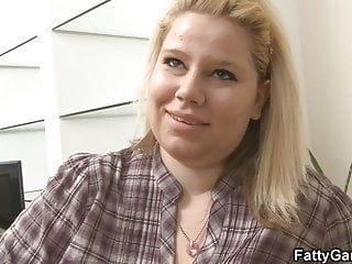 Bring that ass - Blonde plumper brings him home and fucks