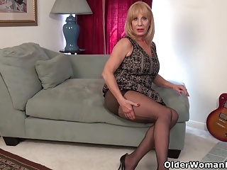 Free grannys pantyhose videos - American gilf phoenix skye needs to rub her old pussy