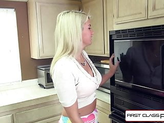 Monster cock fat Sexy amateur layla price sucking a monster cock, fat pussy