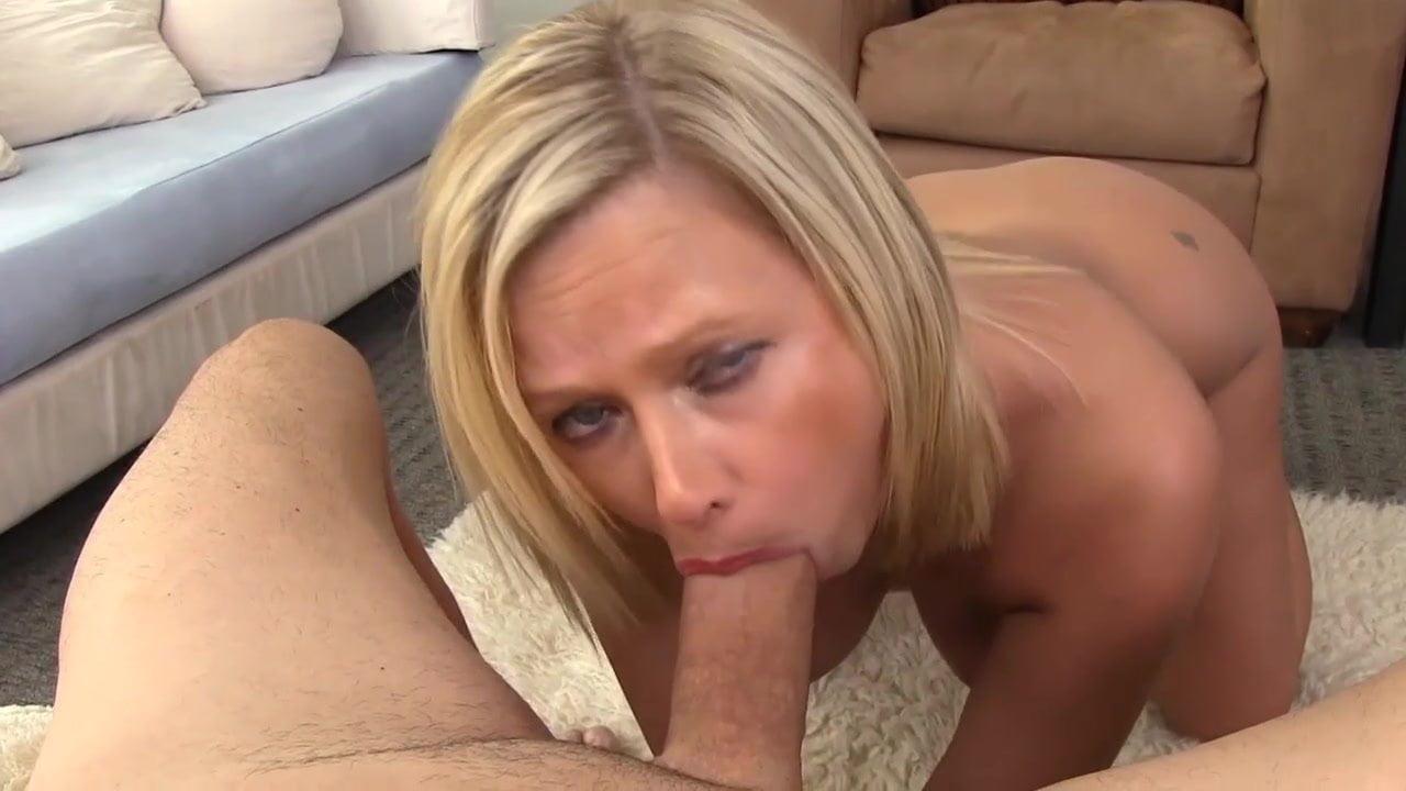 Sexy Milf Blowjob