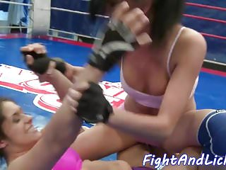 Recognize a lesbo - Inked euro dyke wrestling a lesbo babe