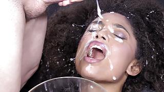 Brazilian Goddess Luna Corazon's Cum Swallow Session