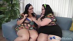 Horny plumpers Eliza & Lyla lesbian sex