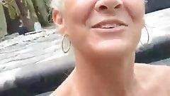 Pervertido la abuela leilani en el piscina