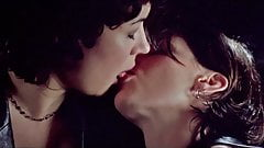 Celebrities Jennifer Tilly&Gina Gershon go Lesbian in Bound