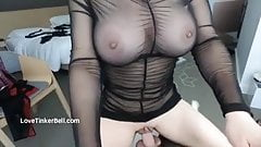 Who loves a tight squirting pussy gripping your shaft?
