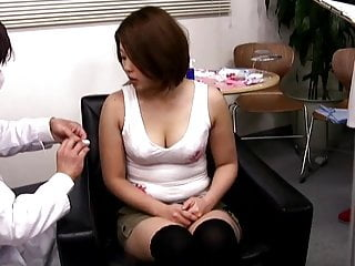 Erotic beauty saloon Asian lady gets fooled in beauty saloon
