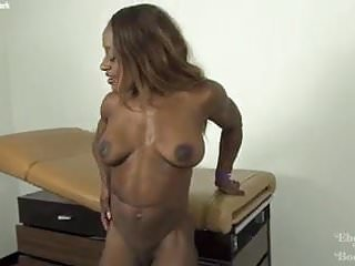 Ebony muscle woman sex Ebony muscle goddess ashley starr
