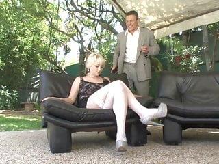 Doogie porn Blonde in stockingsgets doogy style fuck in bed