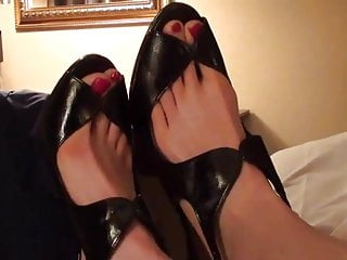 Sexy 13 sister Foot model sexy big feet long red toes size 13
