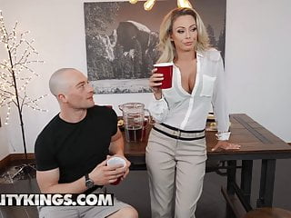 Tits reality Isabella deltore - milf hunted - reality kings