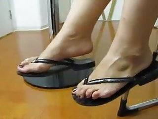 Sexy mature feet clips Sexy mature feet in flip flops