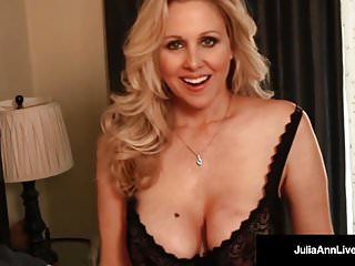 Avn hentai awards - Avn hall of famer, julia ann, gets off with a pink dildo