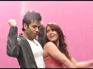 Minisha lamba boob video Minisha lamba shaking booty khanki