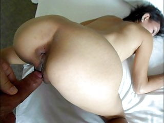 Young cum cute hole - Cute young asian chloe is taken in both holes from behind