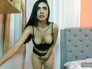 Naked shakira clip Naked colombian plays with her pussy clip 030