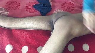 Gay Sex Mutual masturbation sucking his friend's cock