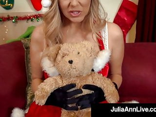 Blonde santa fucked Xxxmas busty milf julia ann dildo fucks waiting for santa