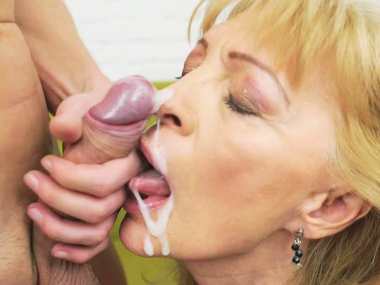 Mature Cum Mouth Swallow