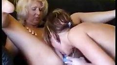 lesbian fuck (01).mp4