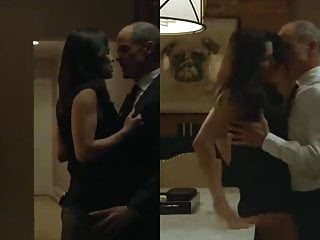 Fake nude neve campbell - Neve campbell - house of cards s05e11