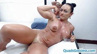 Female Bodybuilder Squirts during Cam Show