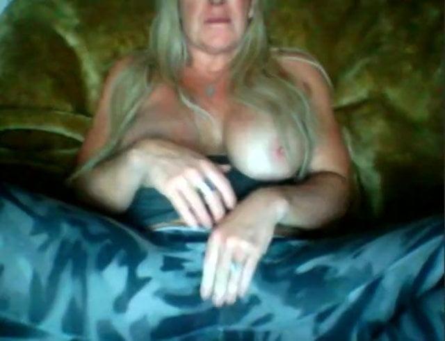 Handjob Cumshot Her Tits